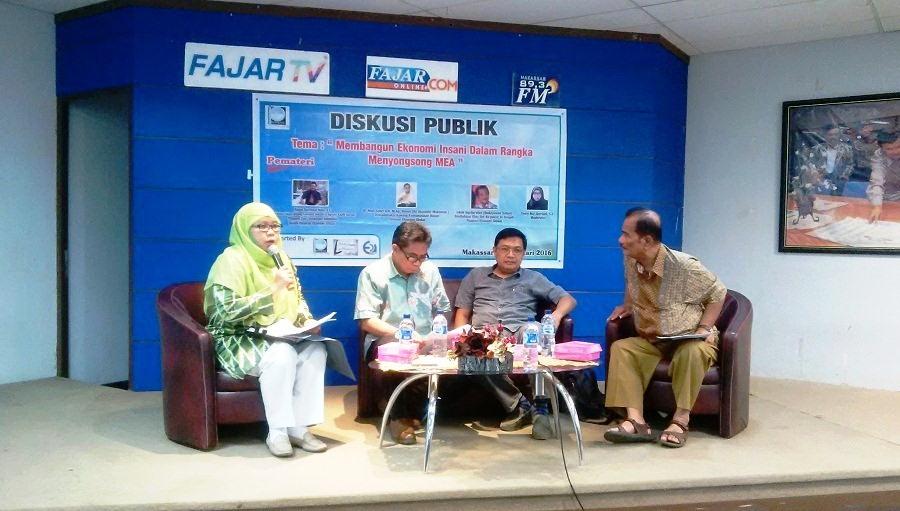 Profetik Institute Gelar Dialog Eksistensi MEA  di Graha Pena Fajar