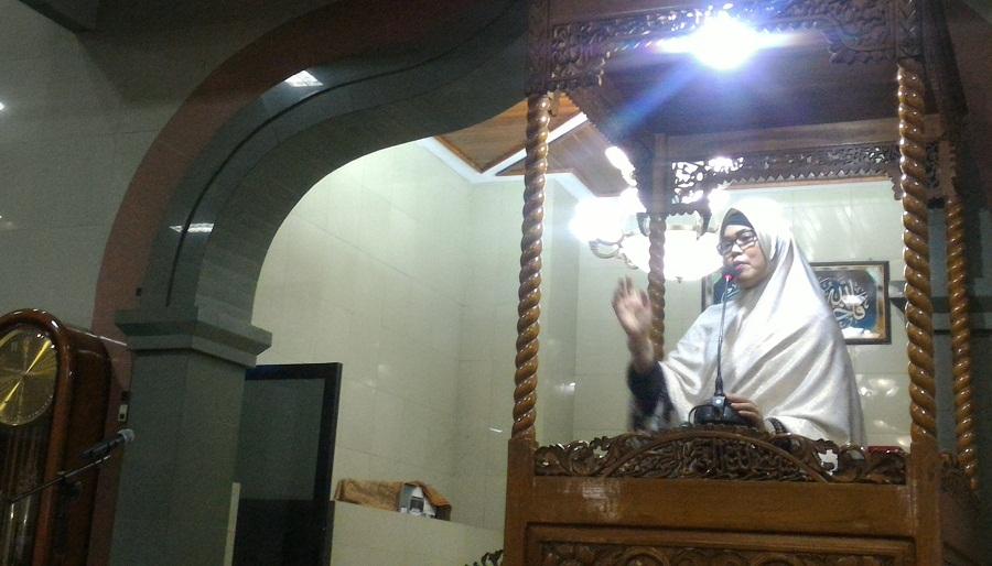 Majdah Ajak Umat Islam di Pangkep Untuk Amalkan Al-Qur'an
