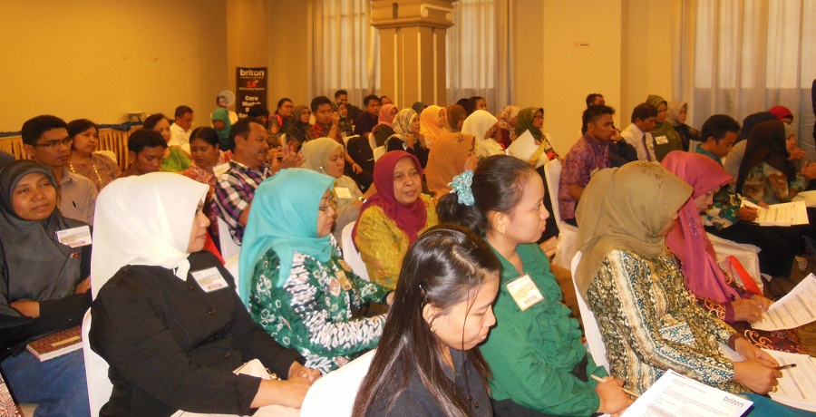 BRITON gelar ELT Workshop 'Teaching Communicative Grammar'untuk guru guru di Makassar