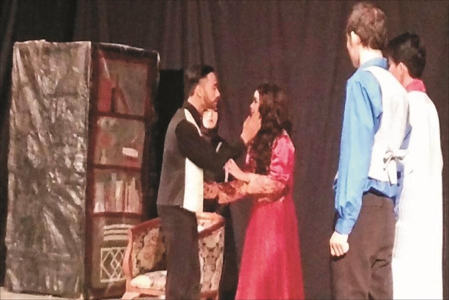 Seru, Pergelaran English Drama oleh Mahasiwa Pendidikan Bahasa Inggris UPS Tegal