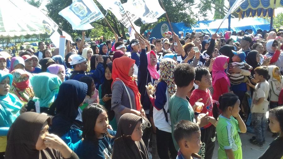 Peringati May Day, Ribuan Buruh di Slawi Jalan Sehat Bersama