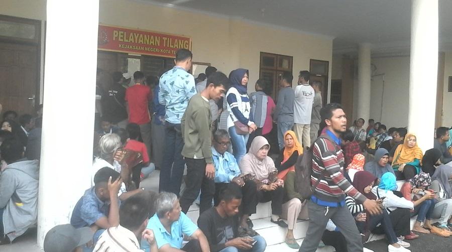 Ratusan Orang Mengikuti Sidang Tilang di Kejaksaan Negeri Kota Tegal