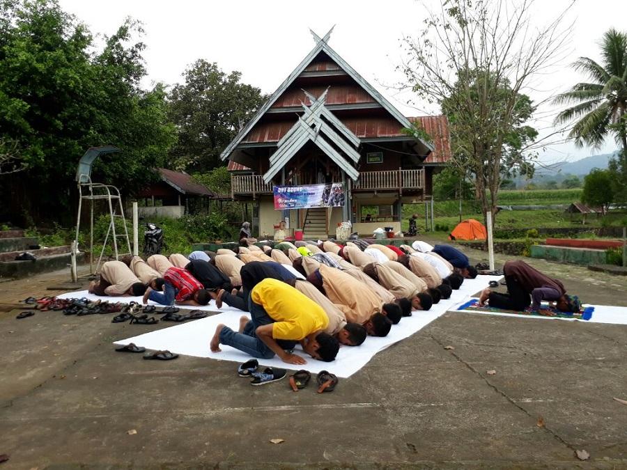 SIT Al-Biruni Makassar Bangun Semangat Kekeluargaan diantara Siswanya