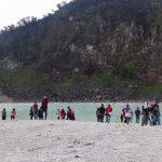 Pesona Eksotis Wisata Kawah Putih Manjakan Pengunjung