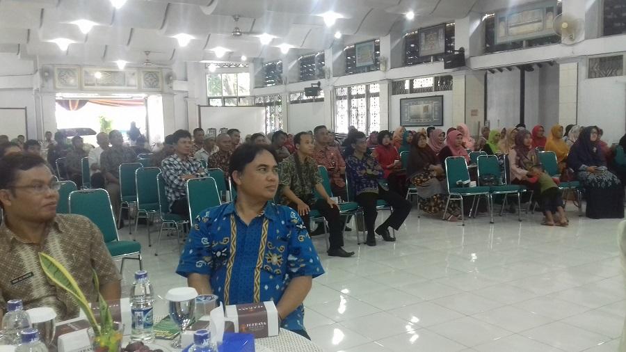 Puluhan Orang Tua Siswa SMK Al Irsyad Hadiri Gathering & Parenting