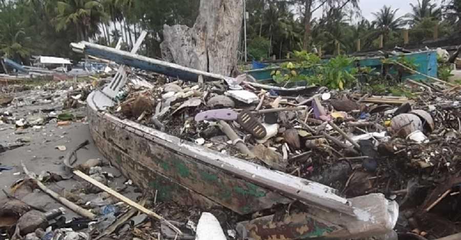 Cuaca Buruk di Kepulauan Selayar Picu Kerusakan Rumah dan Jebolnya Tanggul Penahan Ombak