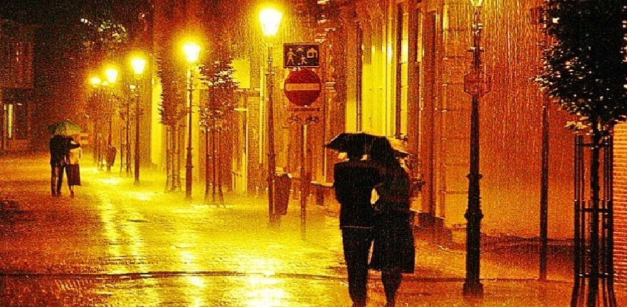Malam Tahun Baru 2016, Makassar Diprediksi Berawan dan Hujan