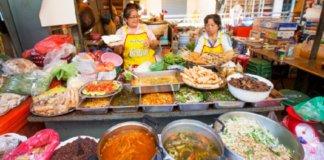 Tips Makan di Tempat Wisata Agar Tidak Tertipu