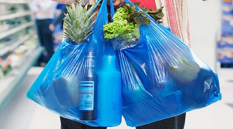 Penerapan Kantong Plastik Berbayar Harus Diawasi