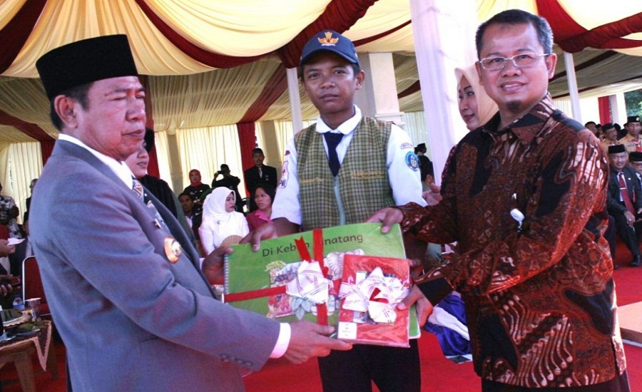 Hardiknas Momen Kab Wajo Canangkan Program Budaya Baca Baruga Tomacca