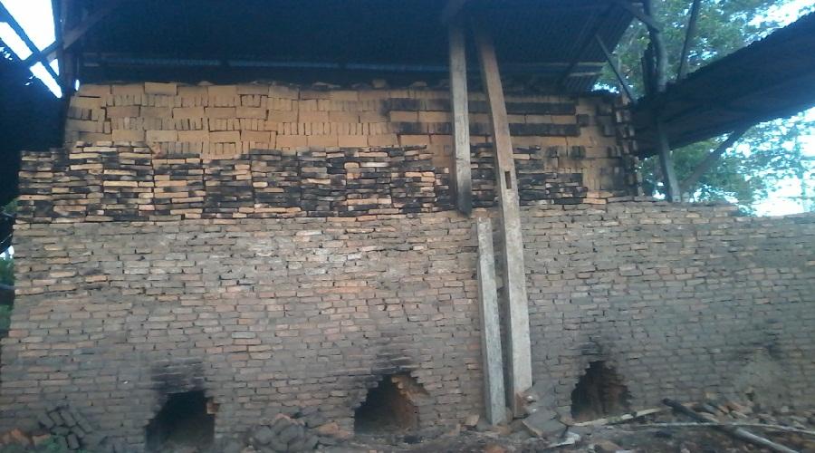 Minimnya Upah Buruh pembuat batu merah di Bantaeng