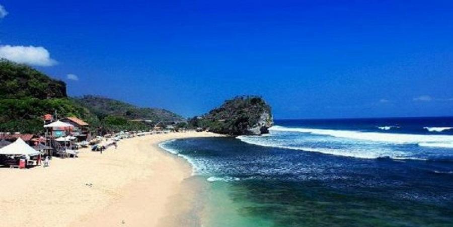 Mengisi Liburan di Pantai Depok Yogyakarta
