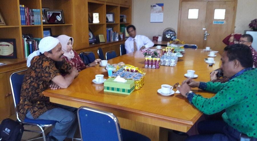 Dua Asesor BAN PT Visitasi Prodi Administrasi Negara UIM