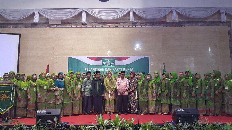 Majdah Agus Resmi Melantik Muslimat Nahdlatul Ulama Sulawesi Selatan