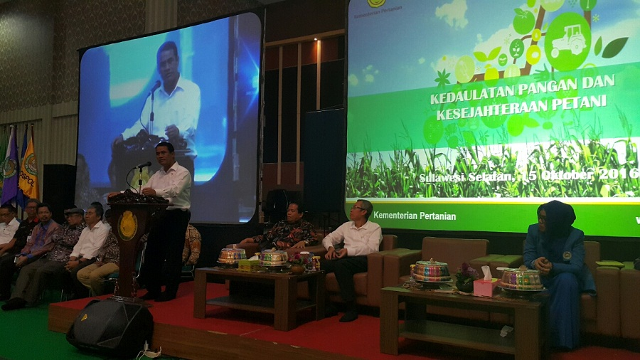 Menteri Pertanian RI Beri Kuliah Umum di Hadapan 2000 Maba UIM