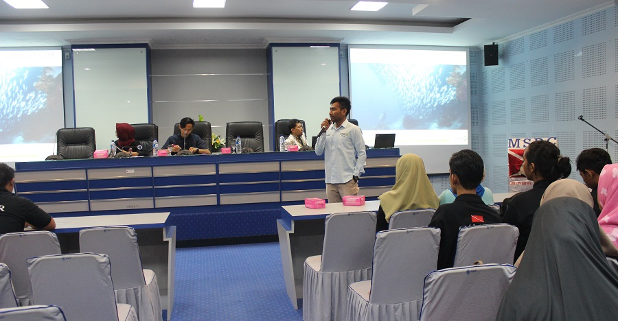 Marine Science Diving Club Unhas Adakan Seminar Nasional
