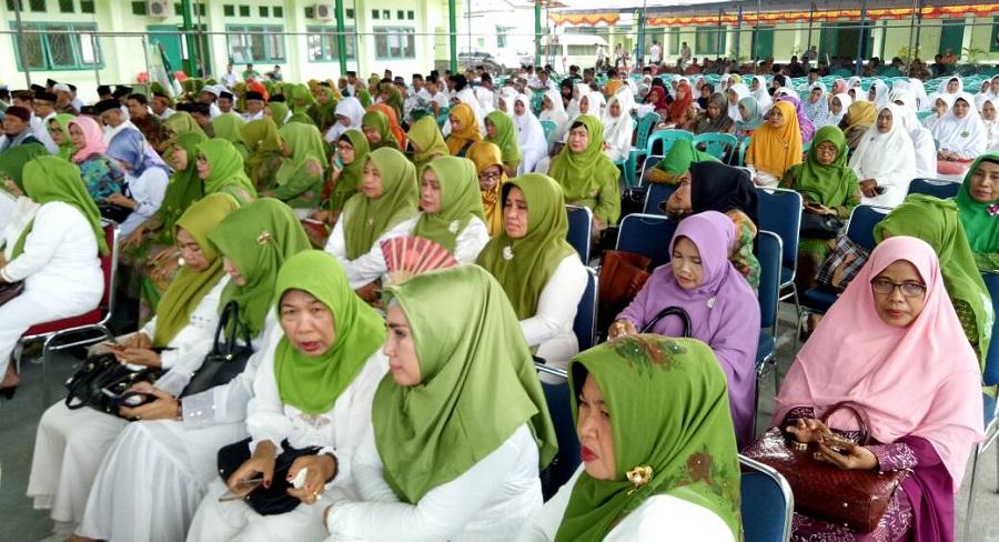 Lantik Muslimat NU Luwu, Majdah Agus Imbau Kader Berantas Narkoba