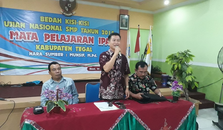 Workshop Bedah Kisi-kisi UN IPA 2018 120 Guru IPA SMP di Gembleng