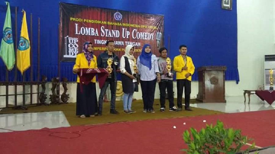 Stand Up Comedy UPS Tegal Buat Ratusan Mahasiswa Tertawa Lepas