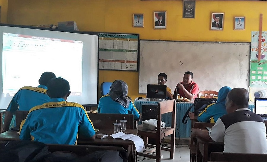 Penerapan Kurikulum 2013 tentu disesuaikan dengan Situasi Sekolah
